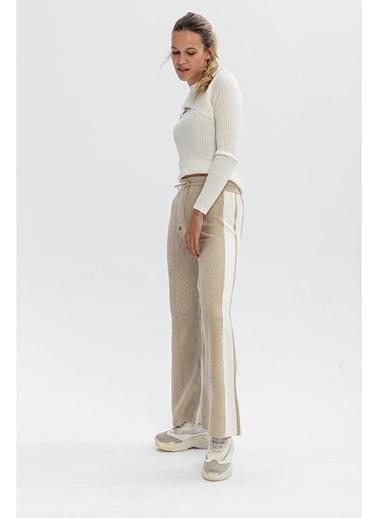 Tiffany&Tomato Yanları Şeritli Bol Paça Triko Pantolon - Siyah Ekru Bej